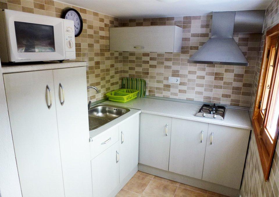 cocina-apartamento16-camping-tau